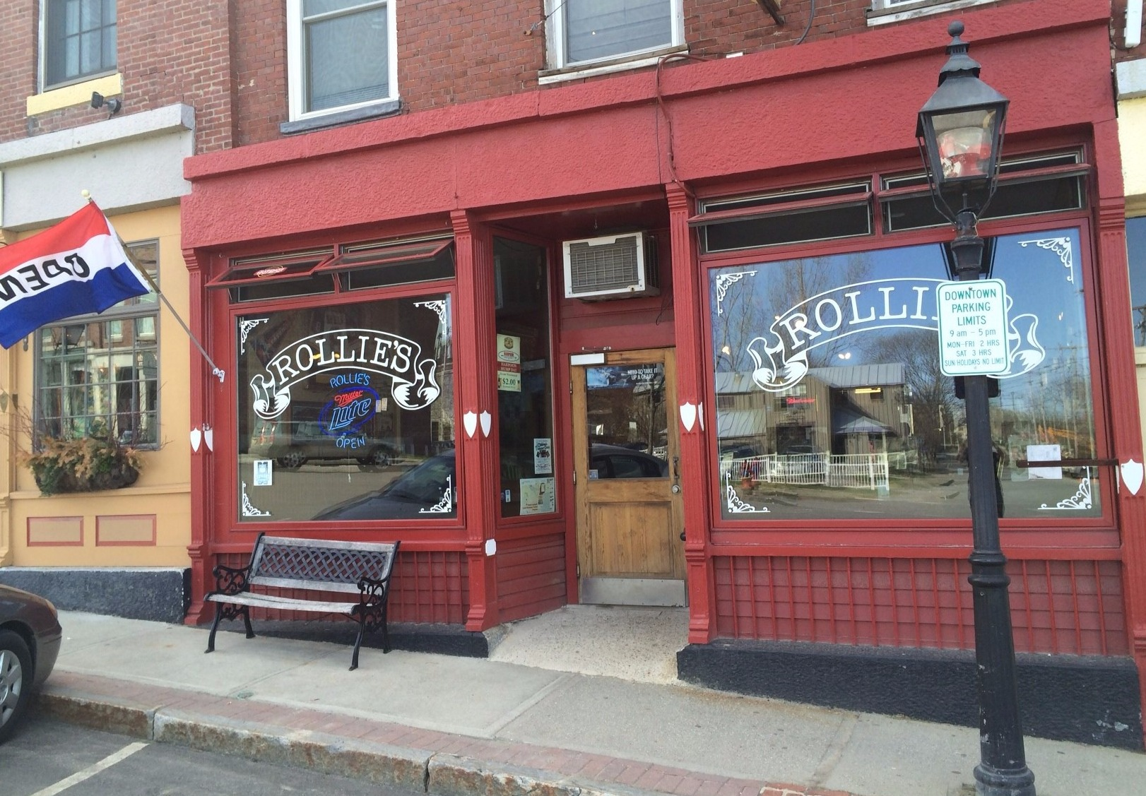 Welcome to Rollie's!